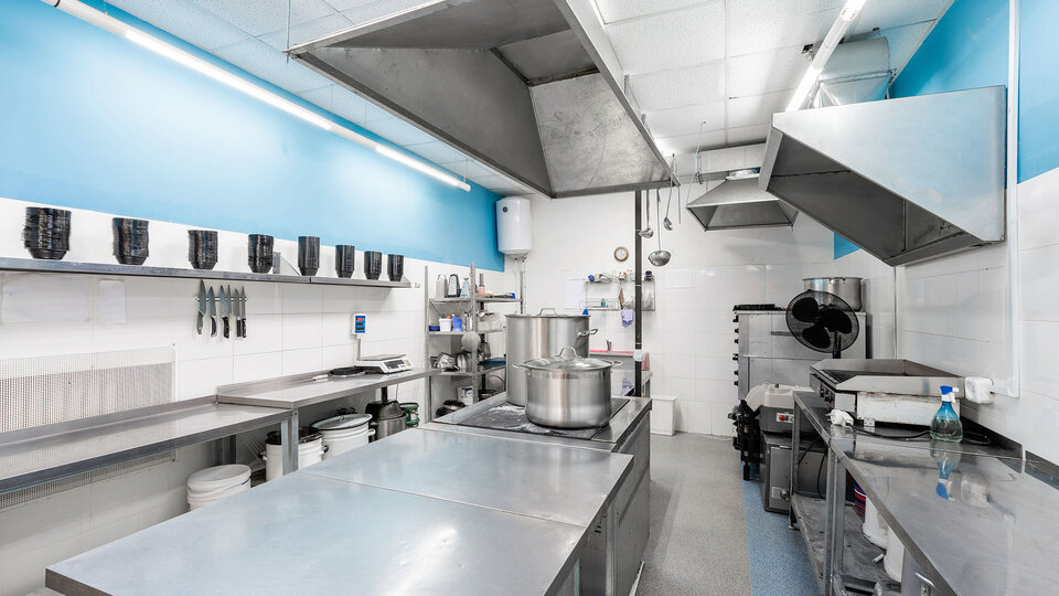 Make Sure Your Commercial Kitchen Shines